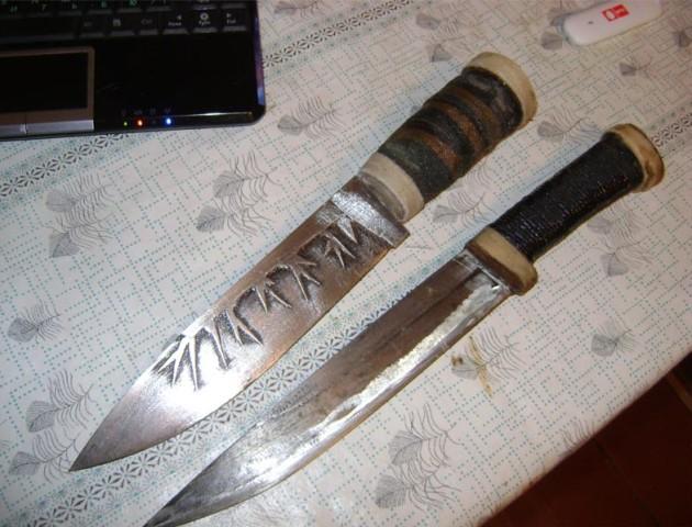 У лучанина вилучили ножі