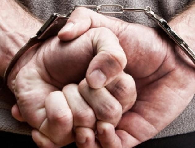 У Луцьку затримали чоловіка і жінку за непокору поліції