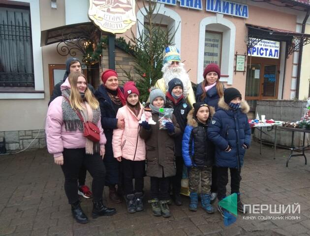 У Луцьку – благодійний ярмарок. Збирають гроші на лікування дівчини з лейкозом