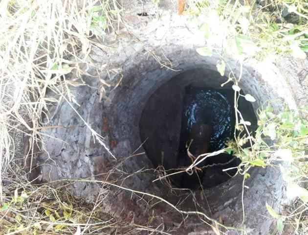 Посеред вулиці в Луцьку знайшли відкритий люк. ФОТО