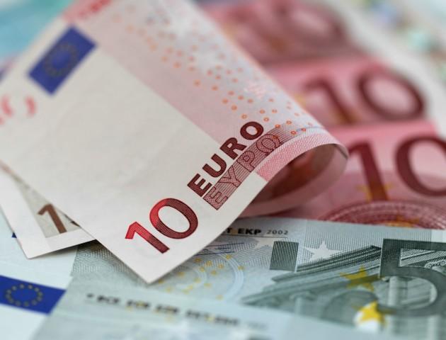Курс валют на 18 грудня: долар і євро істотно подорожчали