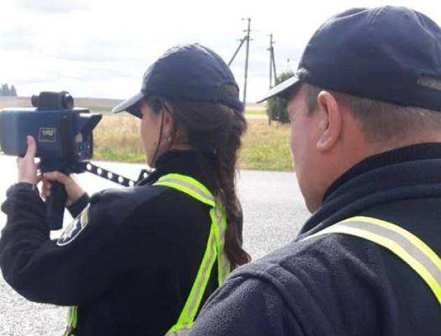 На волинській дорозі зловили майже 40 водіїв-«шумахерів»