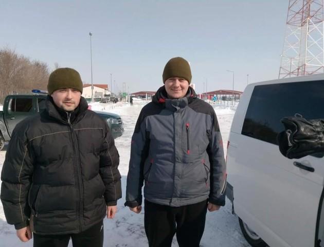 Звільнені українські прикордонники розповіли, як з ними поводилися в РФ