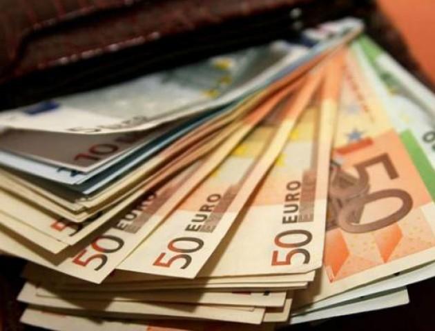 Курс валют на 25 червня: долар здешевшав, а євро різко скочив вгору