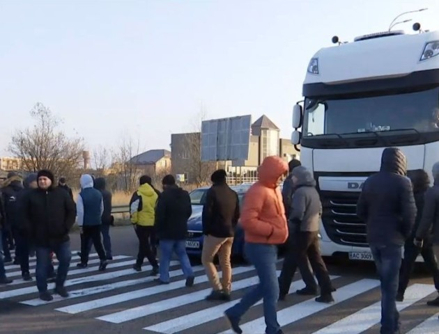За перекриття дороги «євробляхарям» загрожує кримінал, - адвокат