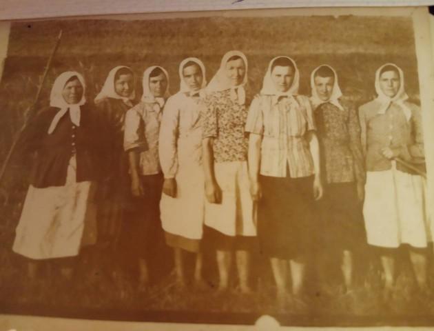 Мода минулого: які хустки носили волинянки 100 років тому. ФОТО