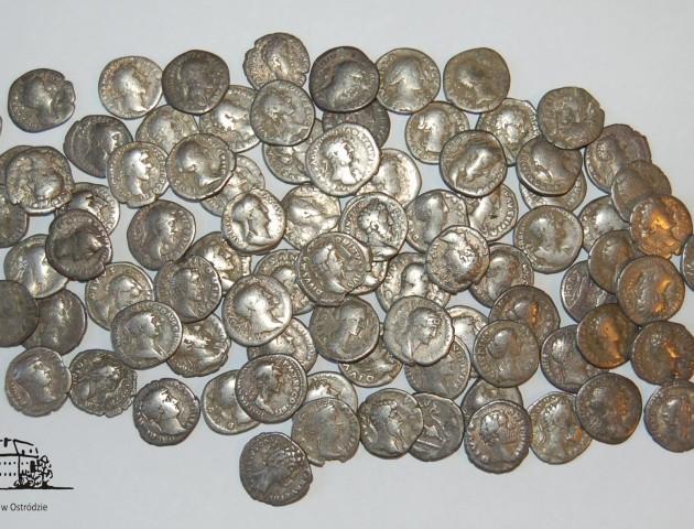 Покарали контрабандиста, який віз через Волинь 110 монет