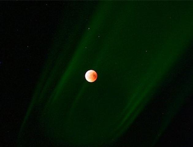 Лучанин опублікував унікальне фото місячного затемнення. ФОТО