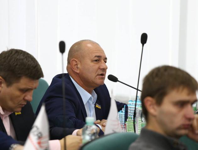 ЖКГ два місяці не може поставити готової зупинки та годує обіцянками, - депутат Луцькради