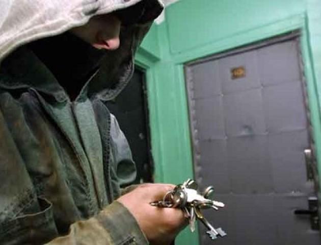 У Володимирі за ніч - два пограбування з схожим «почерком»