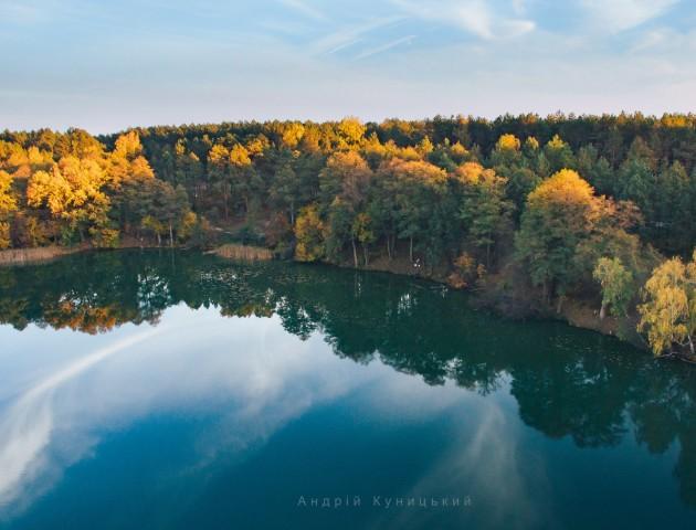 Осіння краса загадкового волинського озера. ФОТО