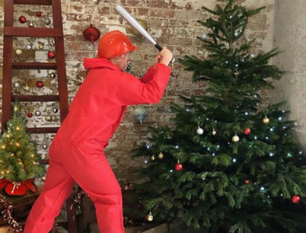 У Лондоні відкрили «кімнату люті» для тих, хто вже втомився від Різдва