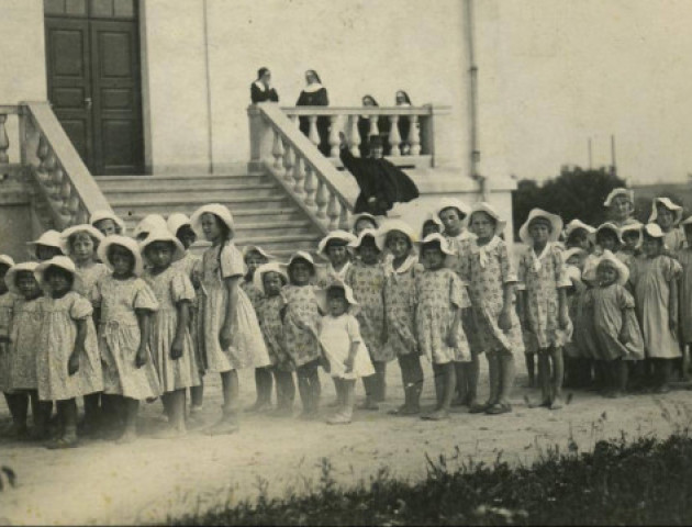 Як виглядав луцький сиротинець на початку ХХ століття. ФОТО