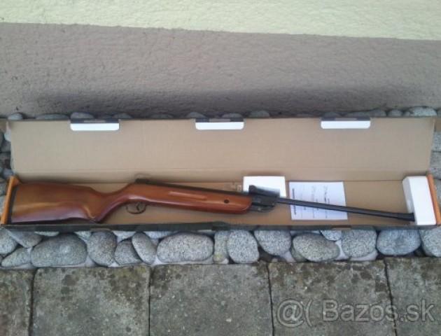 Волинські митники затримали чоловіка з гвинтівками. ФОТО