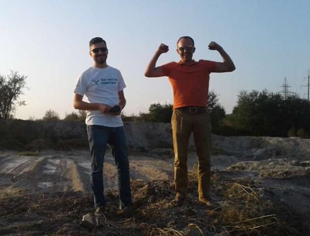 «Скарг немає»: активісти перевірили скандальні «смердючі» поля у Луцьку