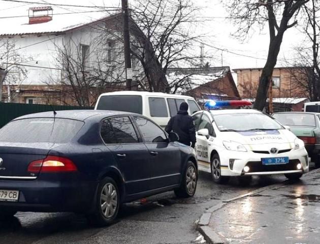 На Волині затримали два авто з «лівими» документами