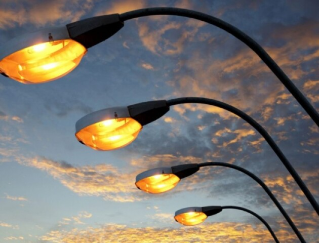 «Немає жодного ліхтаря». У Луцьку просять встановити освітлення біля «Авангарду»
