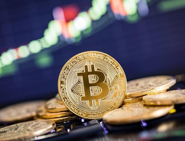 Bitcoin знову дорожчає після тривалого падіння
