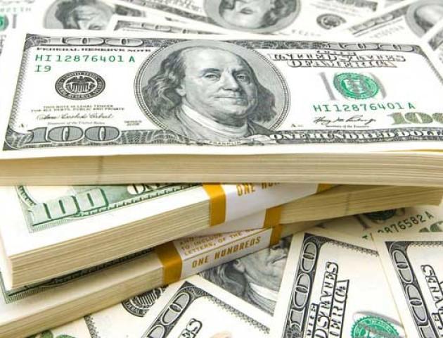 Курс валют на 30 липня: долар стрімко дорожчає