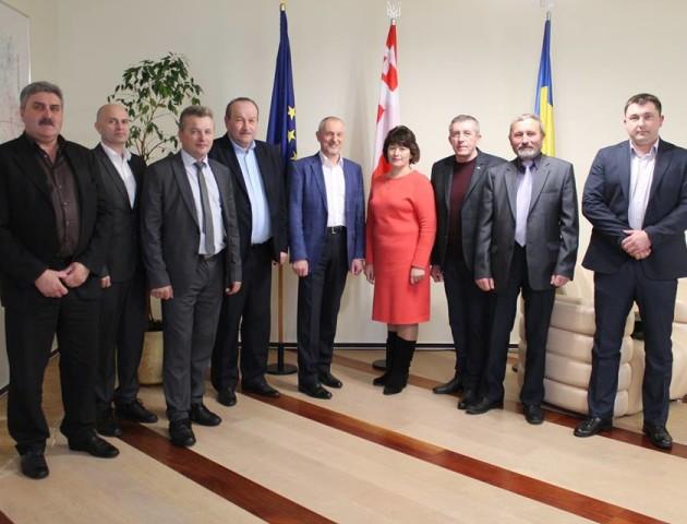 Савченко пообіцяв підтримку новообраним головам громад