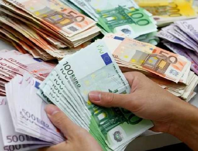 Курс валют на 5 грудня: долар впав, а євро зросло