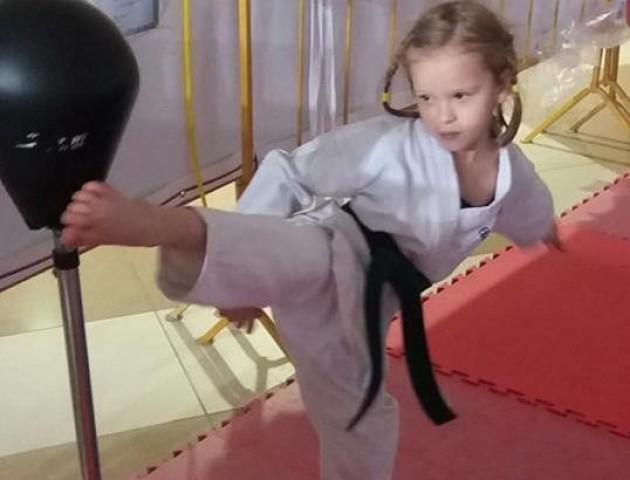 Шестирічна лучанка завоювала два «золота» на змаганнях у Білорусі. ФОТО