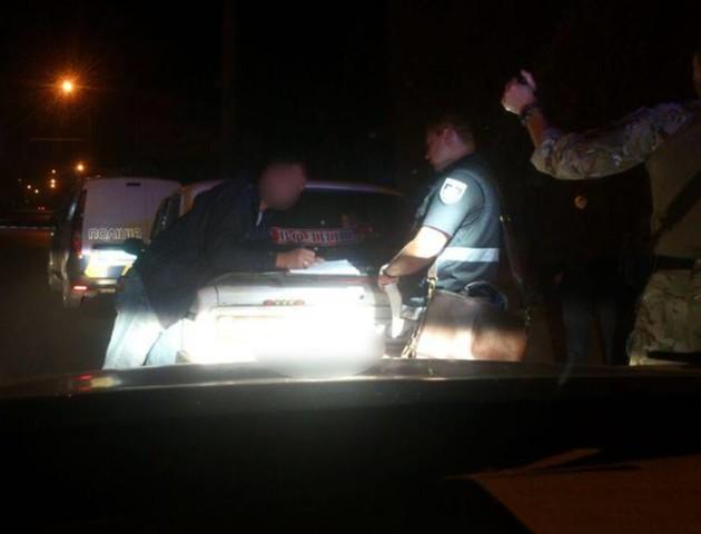 У Луцьку п'яний водій хотів дати патрульному хабар і просив відпустити «по-людськи»