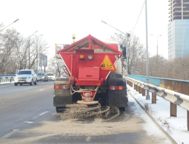 Луцькі дороги взимку «солитимуть» за 770 тисяч гривень