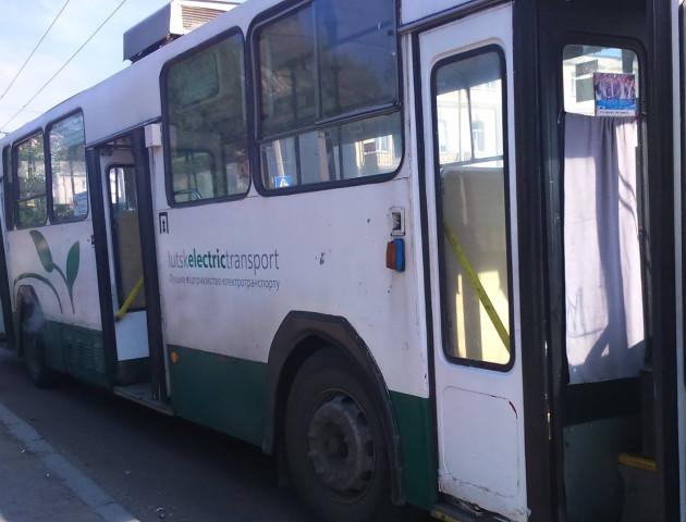 Діти з сімей переселенців будуть безкоштовно їздити у Луцьких тролейбусах