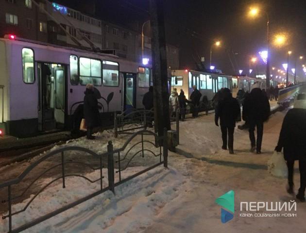 Через аварію у Луцьку - довгий затор. ФОТО