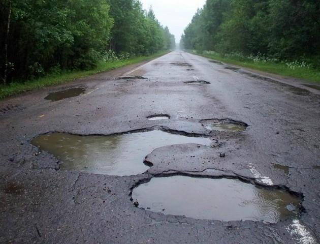 На Волині перевізники відмовляються їздити поганою дорогою