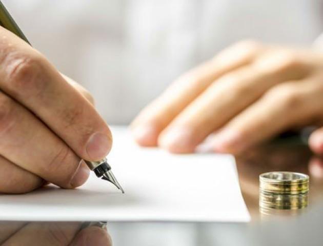Примушення чоловіків до одруження визнали злочином