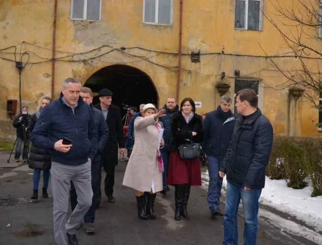 Депутатам вдалося зупинити «інформаційний ґвалт» в Олиці. ФОТО
