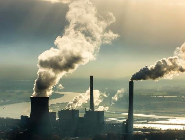 Промислові викиди підприємств контролюватимуть по-європейськи