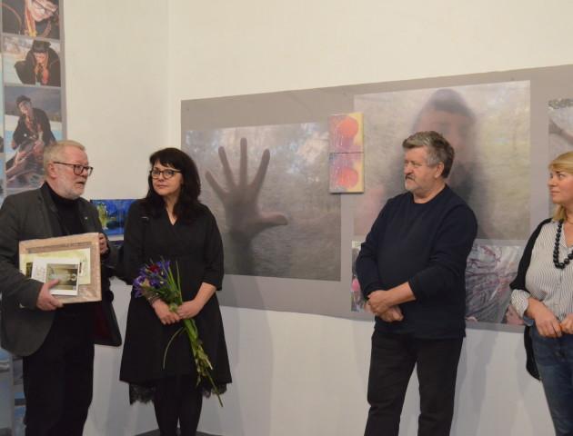 Малярка із Вроцлава презентувала у Луцьку картини та світлини