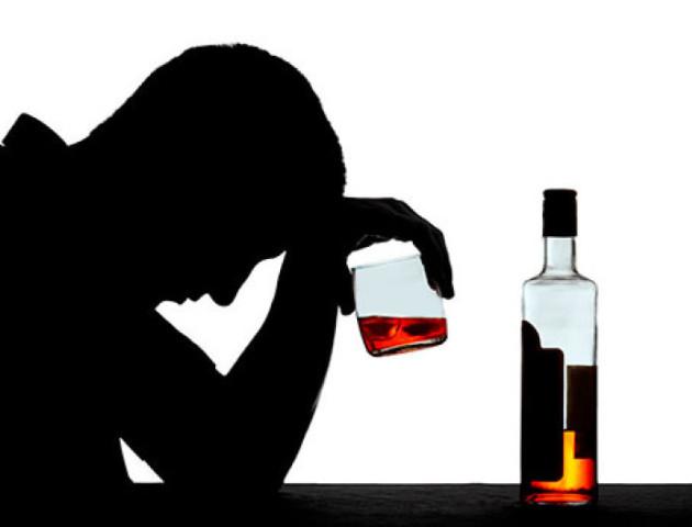 Вчені з'ясували, який алкоголь змушує плакати, а який - битися