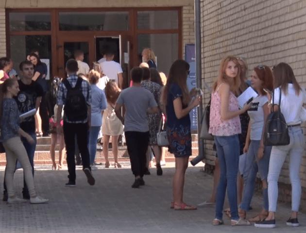 У Луцьку стартувало ЗНО для бакалаврів. ВІДЕО