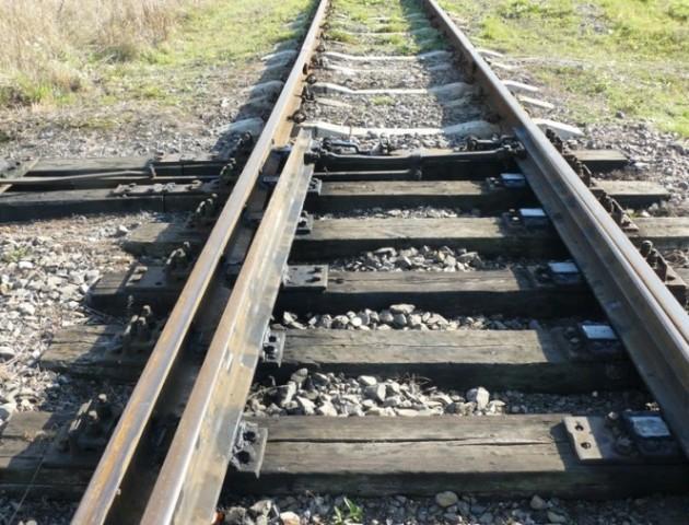Лучани просять поставити паркан вздовж колії на Ківерцівській