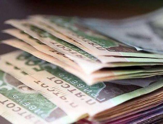 Українці, які знаходяться на самоізоляції, отримуватимуть 50% своєї середньої зарплатні