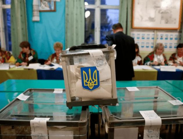 Скільки людей прийшло на вибори у Нововолинську та Володимирі