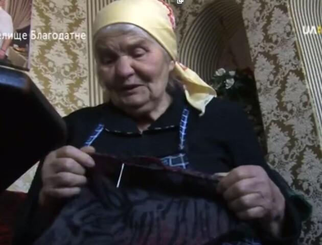 85-річна волинянка вручну шиє ковдри для бійців на Сході