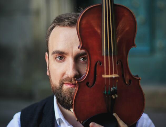 У Луцьку виступить скрипаль-віртуоз Олександр Божик