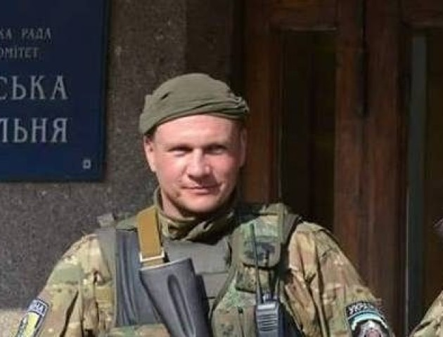 На світанку Волинь зустріла  загиблого на Донбасі Героя Василя Крищука