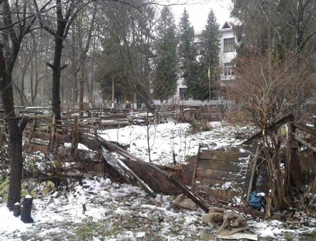 У Луцьку муніципали планують знести 350 незаконних гаражів і сараїв