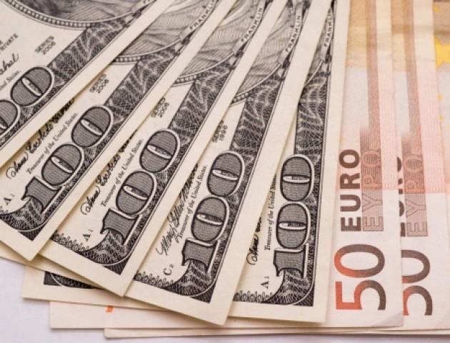 Курс валют на 22 червня:  долар та євро суттєво подешевшали