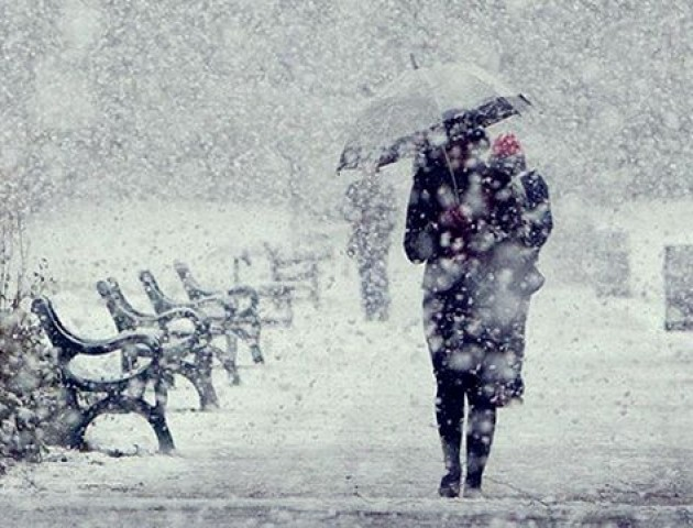 У перший день зими Луцьк засипало снігом. Реакція соцмереж