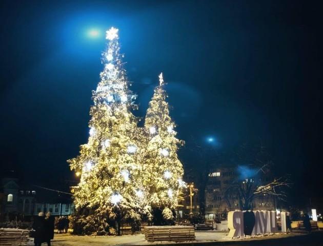 У Луцьку відкрили сезон новорічних свят. ВІДЕО