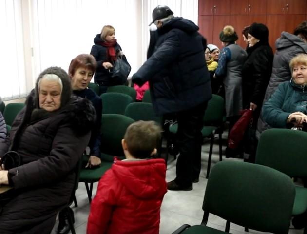 У Луцьку привітали з Різдвом родини загиблих Героїв. ВІДЕО