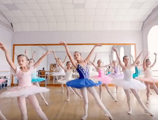 Клас-концерт представила балетна студія «Жизель» у Луцьку