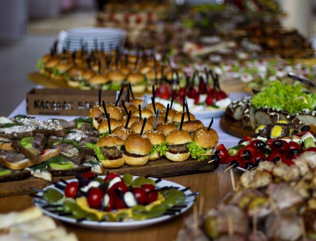Замовити смачні страви на свято можна у «Карабасі Барабас»